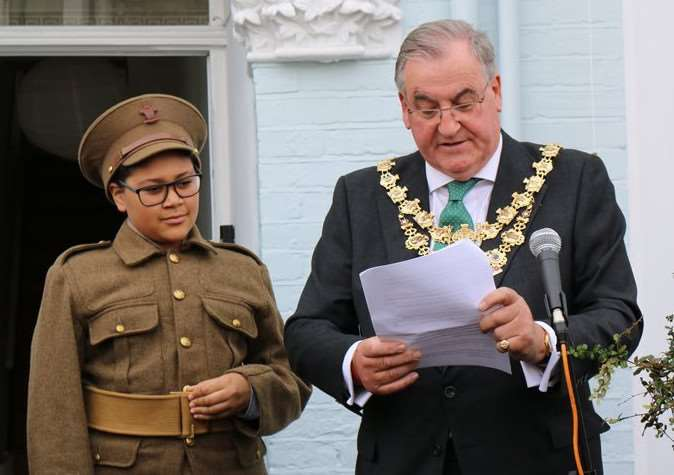 The Mayor of Wandsworth gave a reading at the unveiling of the blue plaque to Sidney Lewis.