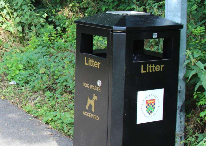 Litter and dog bin, SKDC