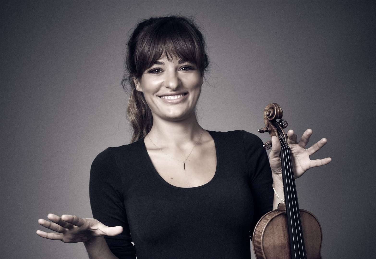 Violinist Nicola Benedetti joins Grantham musicians for fund-raising concert at St Wulfram's Church