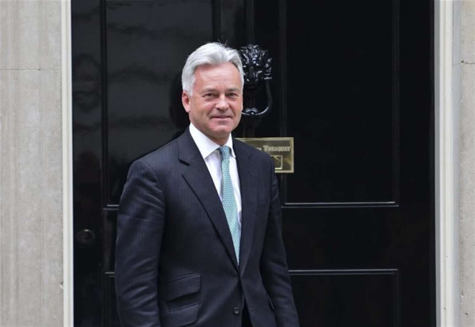 MP Sir Alan Duncan to stand down