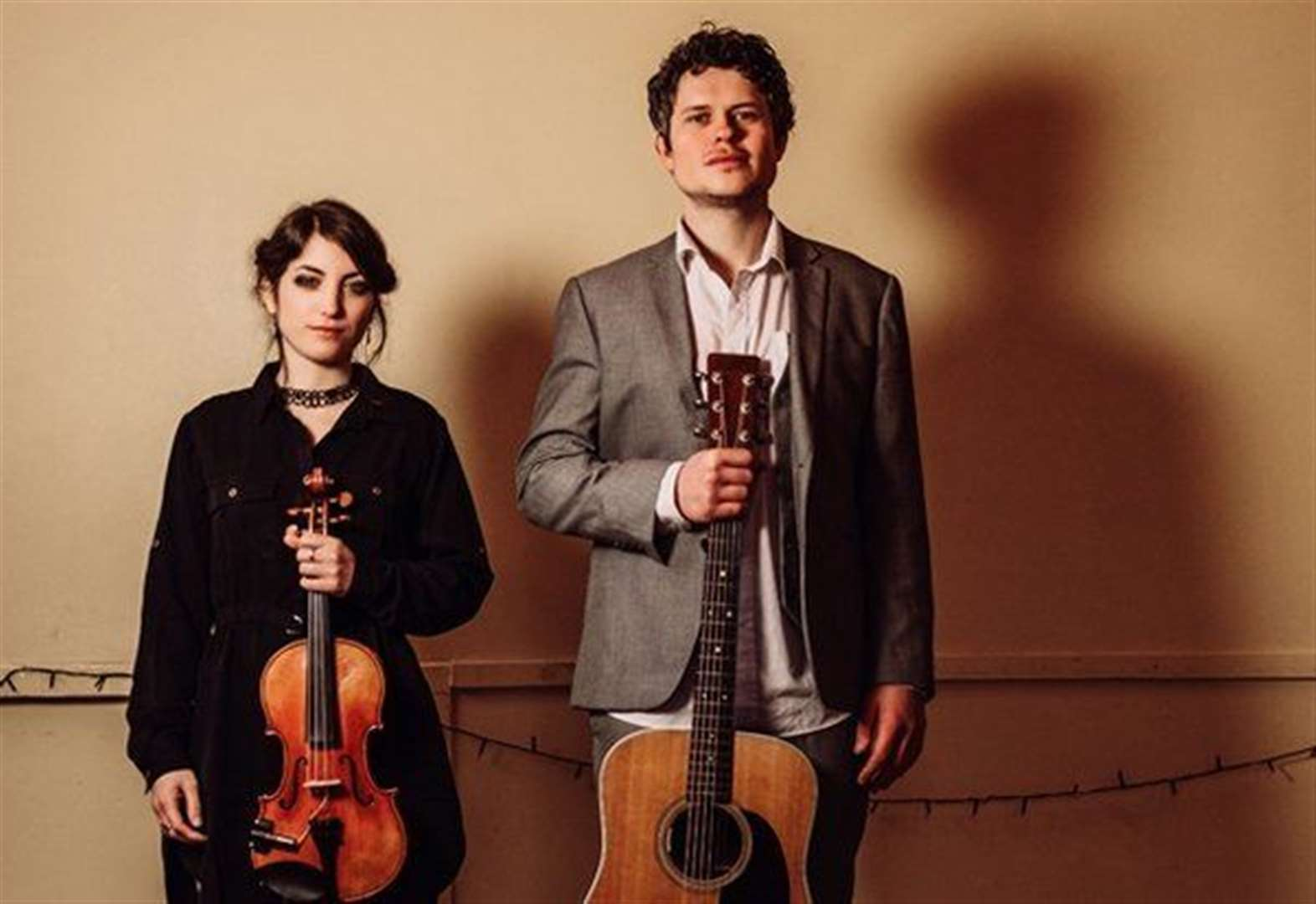 Live folk music duo to play at Ropsley