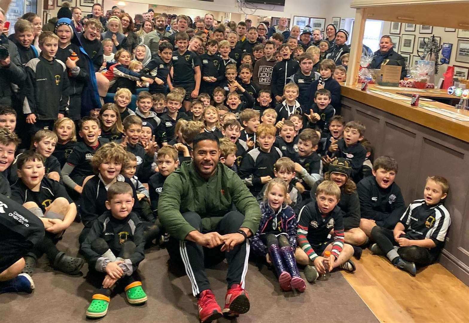 England legend surprises Black Army youngsters with visit to club