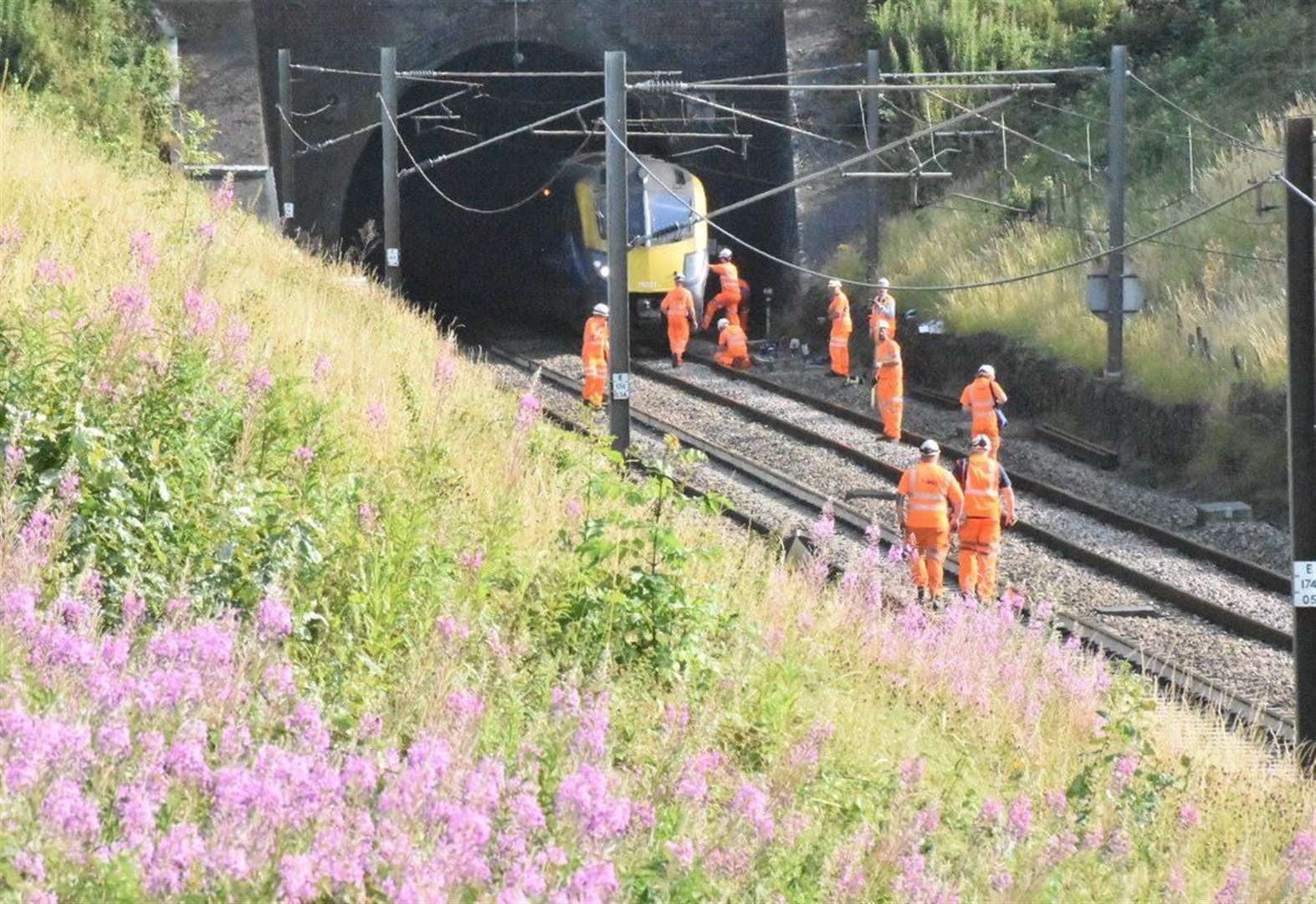 Train services back to normal after disruption caused by damaged cables near Grantham