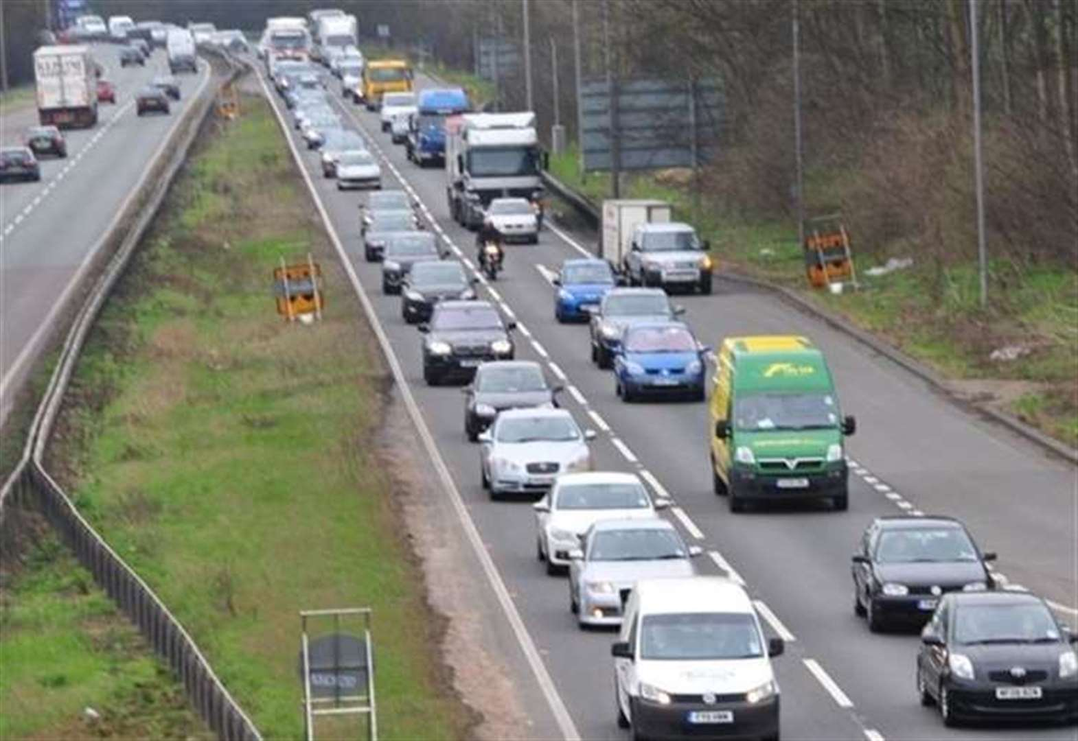 A1 blocked after crash on southbound carriageway near Grantham