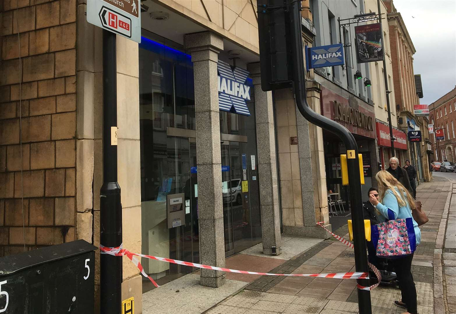 Grantham bank closed temporarily after masonry fell from roof