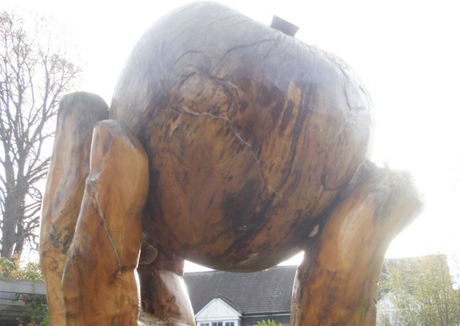 Iconic Grantham apple sculpture will soon return to Wyndham Park