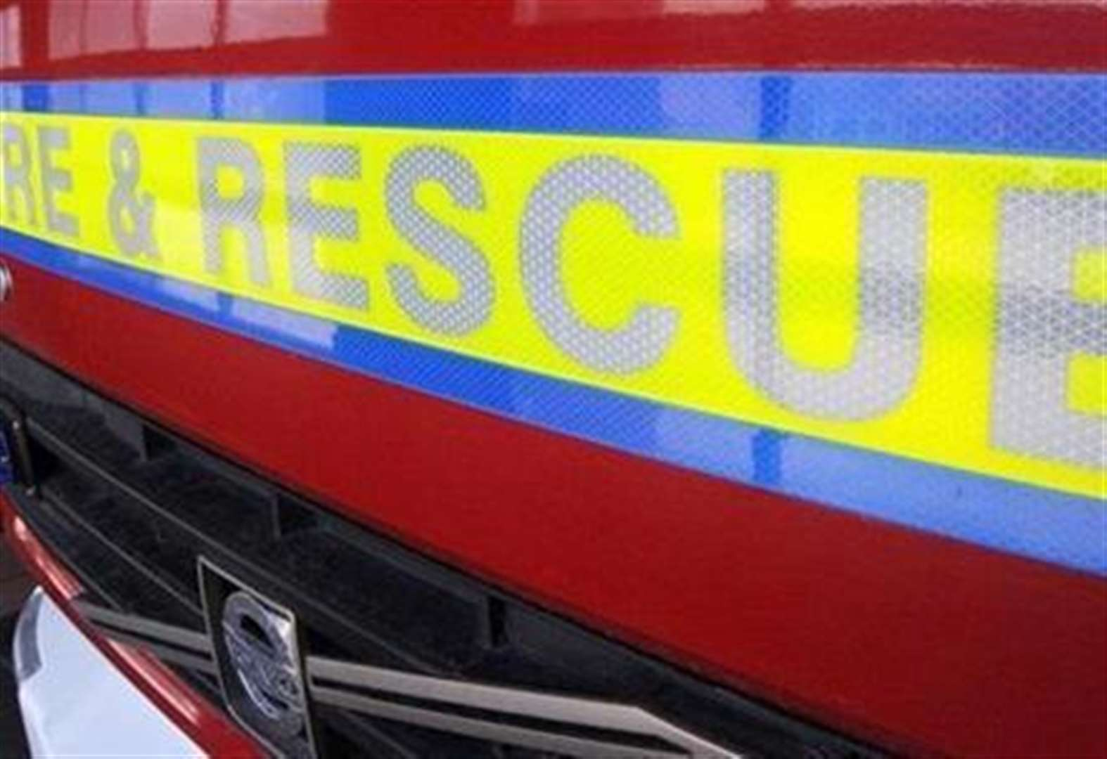 Fire damages shed and hedge in Grantham street
