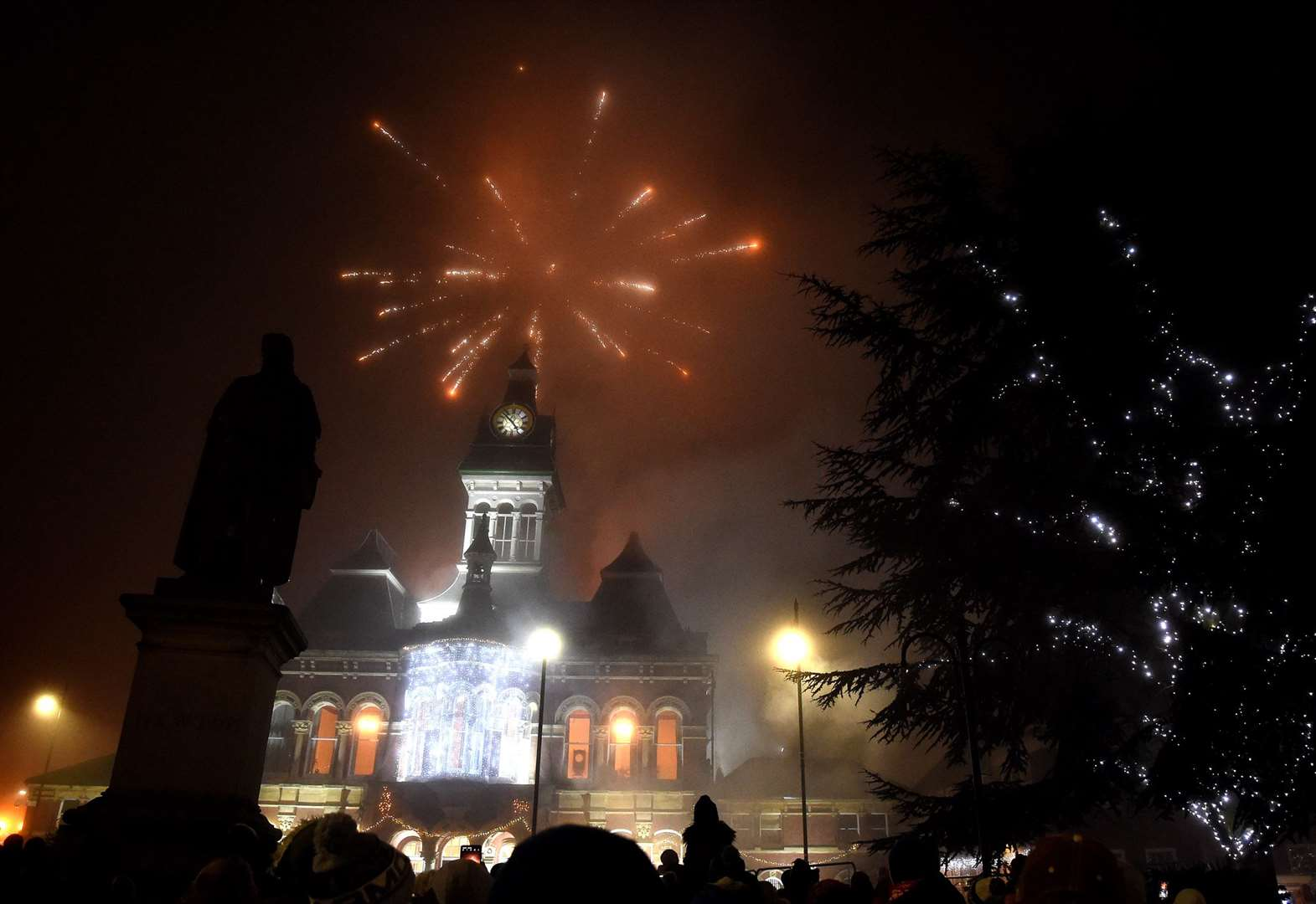 Fireworks light up the sky for spectacular finale to Christmas festivities in Grantham