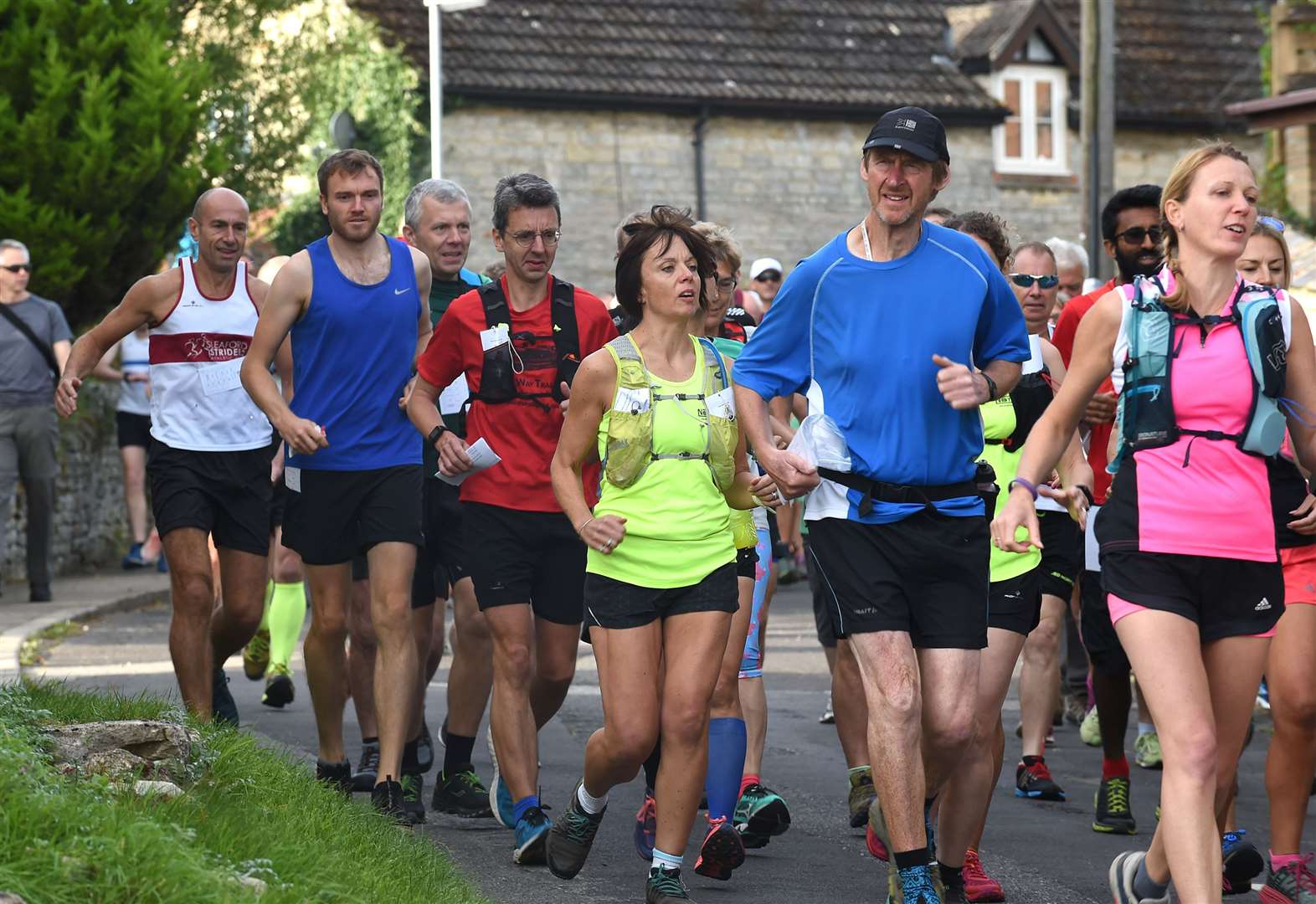 Largest entry of runners takes part in Ponton Plod