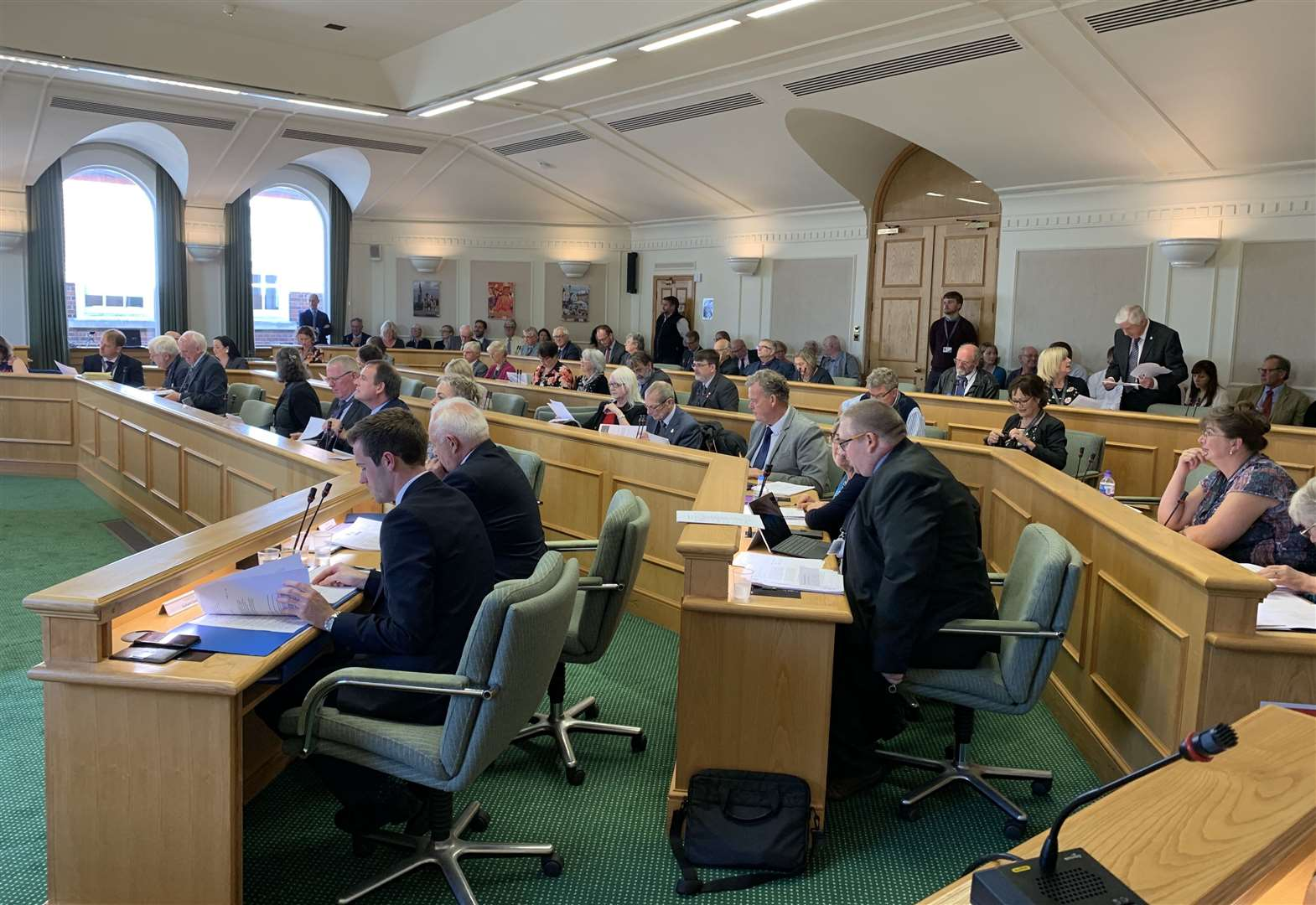 South Kesteven councillors agree stricter climate targets