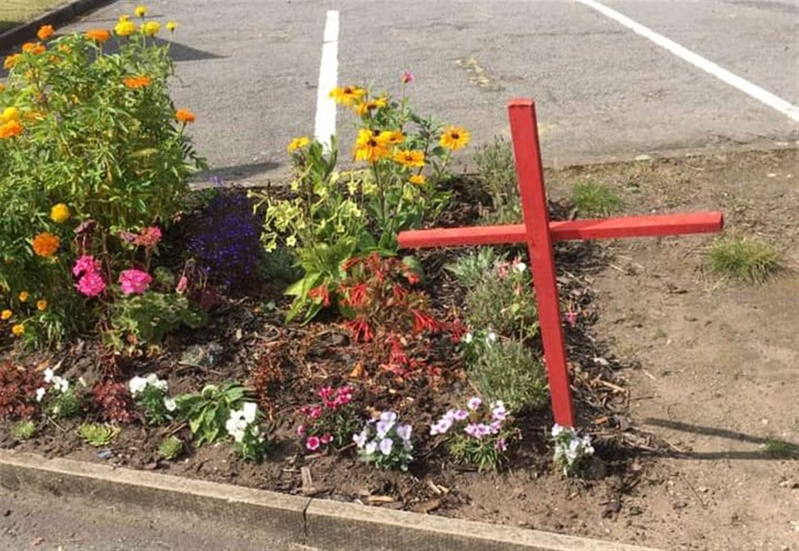 Surgeon removes 'inappropriate' and 'macabre' crosses at Grantham Hospital