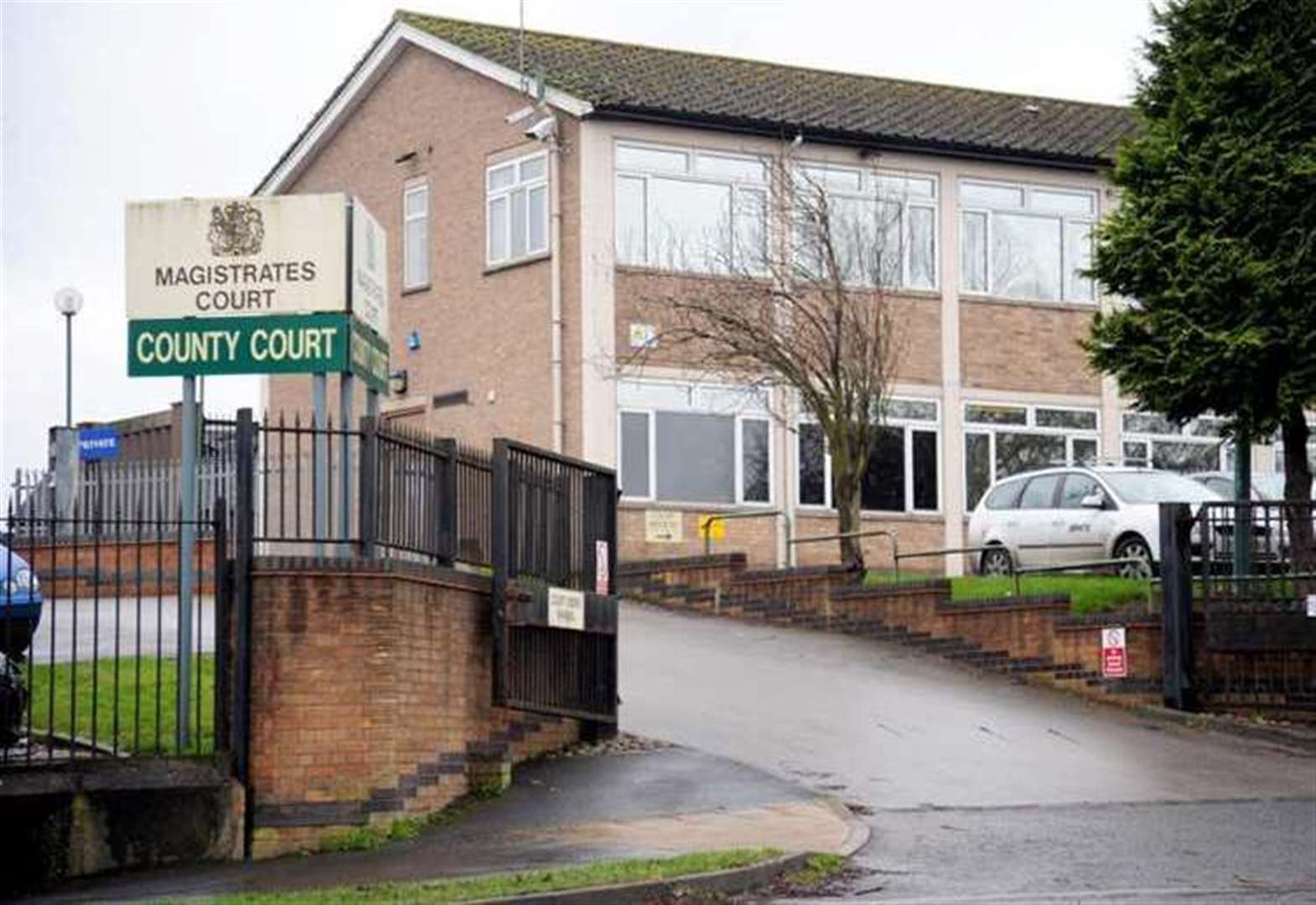 Closure of Grantham Magistrates' Court has had impact on case completion times, says report