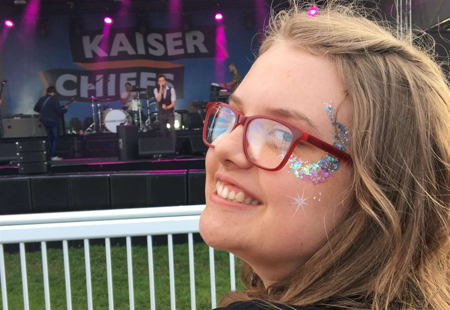 Brave Grantham teenager to shave hair off for charity