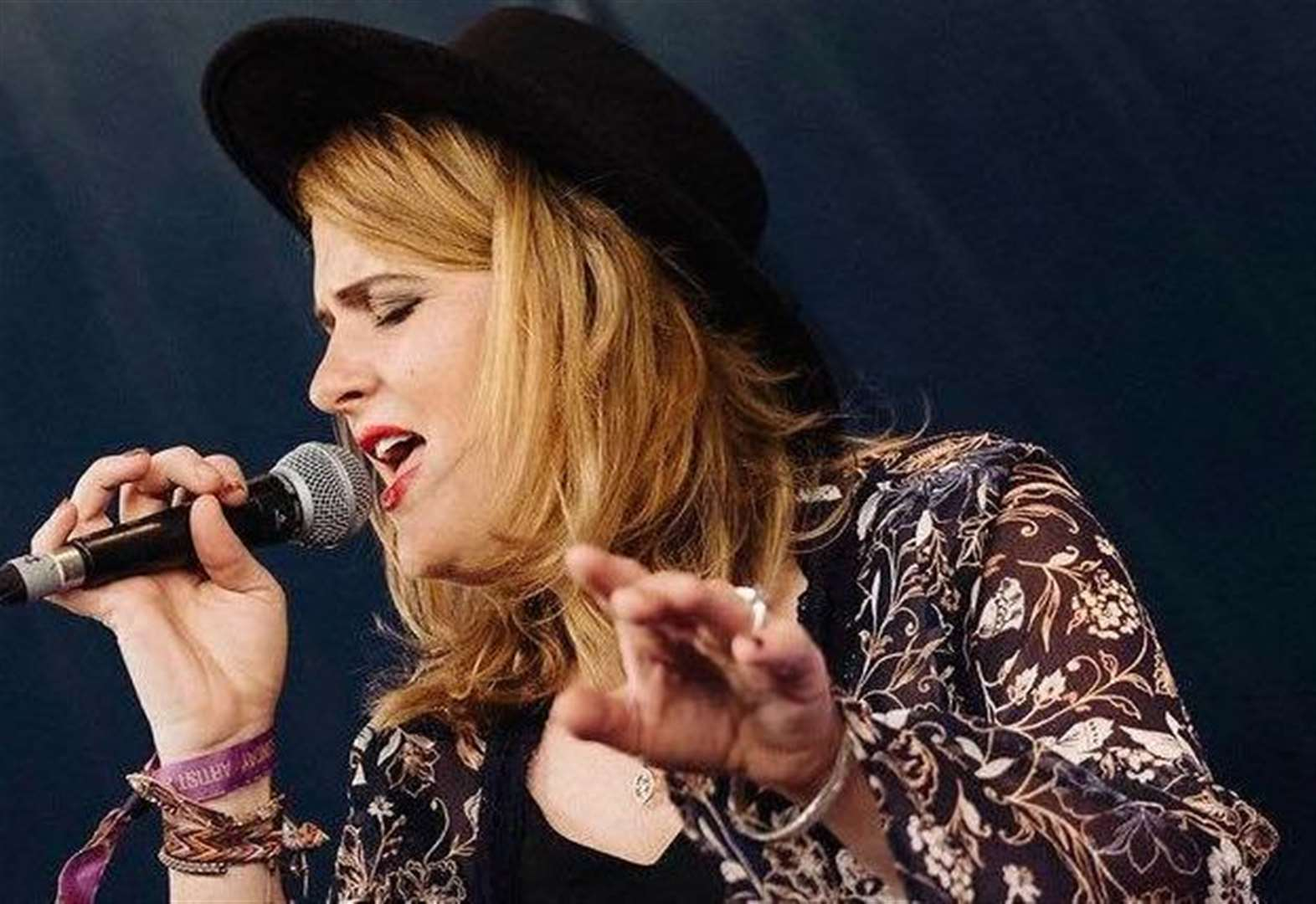 Elles Bailey Band are playing at Eastwell Village Hall this weekend.