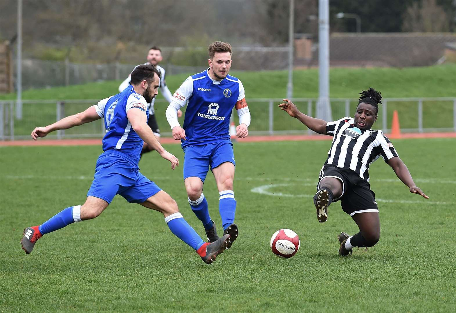 Gingerbreads suffer slender defeat at windswept Meres