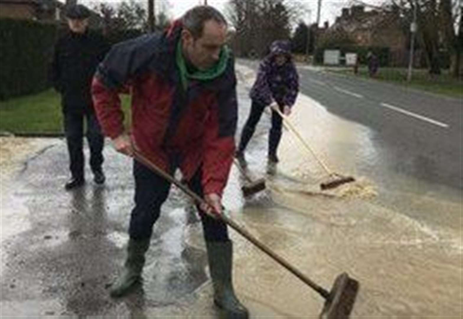 Storm Dennis: Residents pull together as post-flood clean-up begins in Bottesford