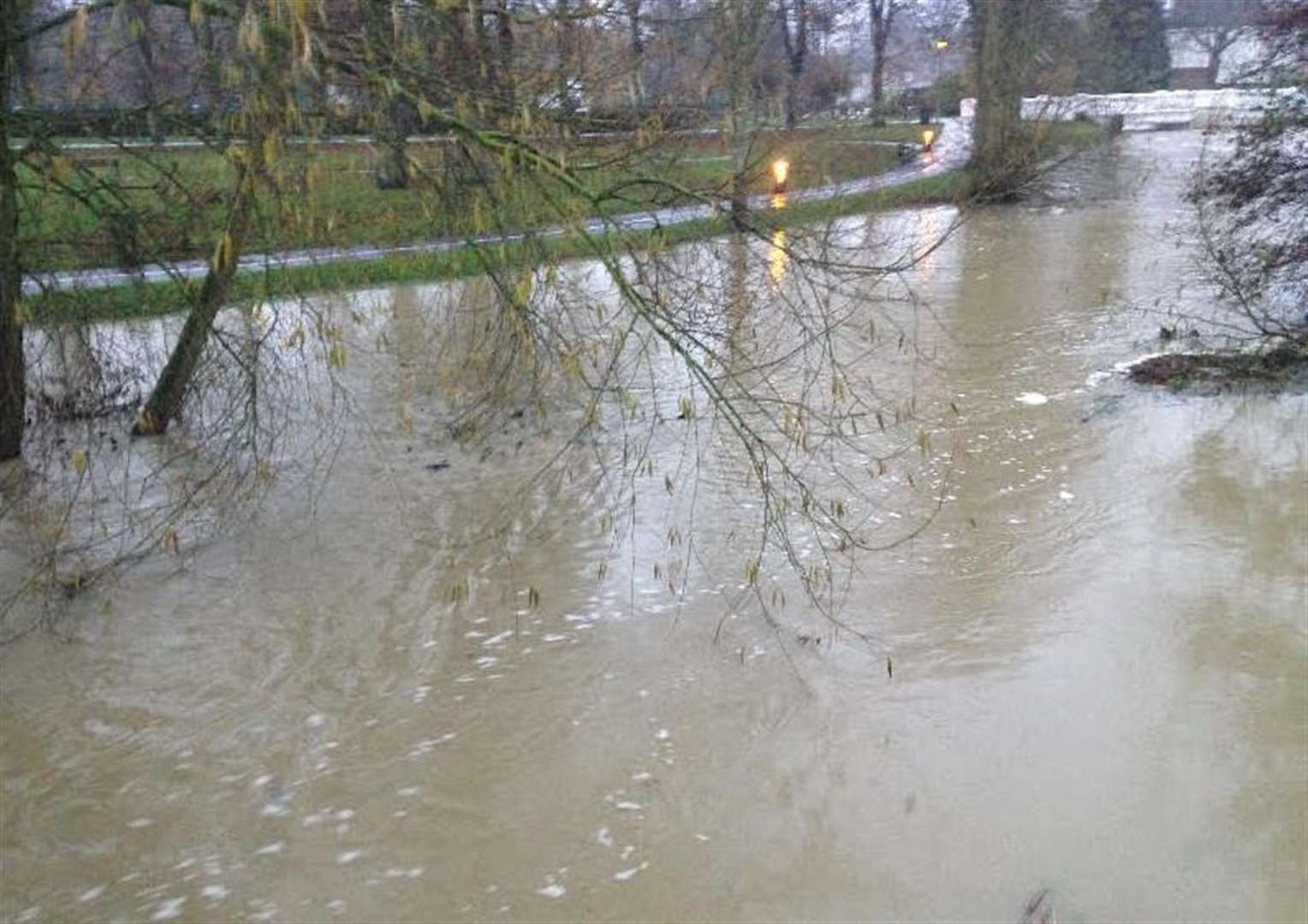 Heavy rain causes River Witham through Grantham to burst its banks