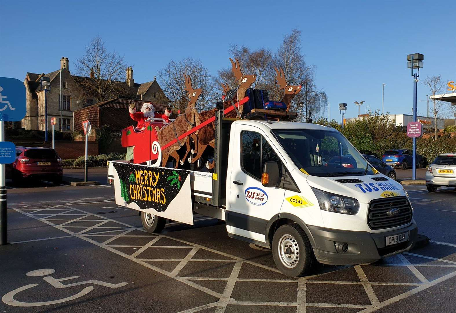 Santa helps Grantham firefighters raise more than £1,100
