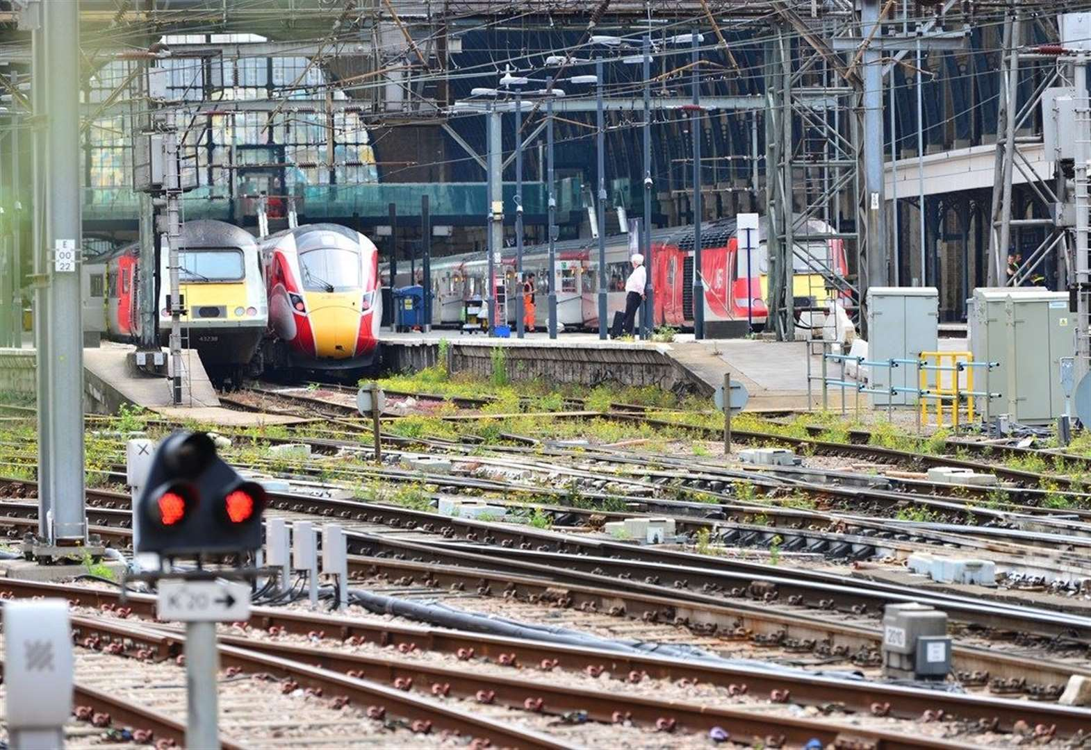 Don't take the train! East Coast line to London closed at the weekend