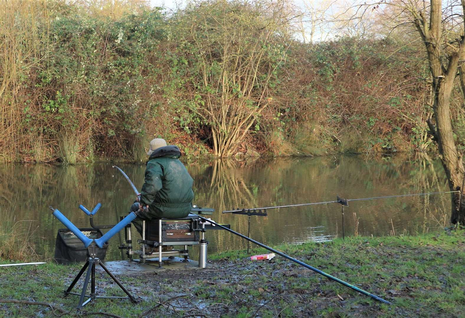 Alan triumphs in fishery lakes match