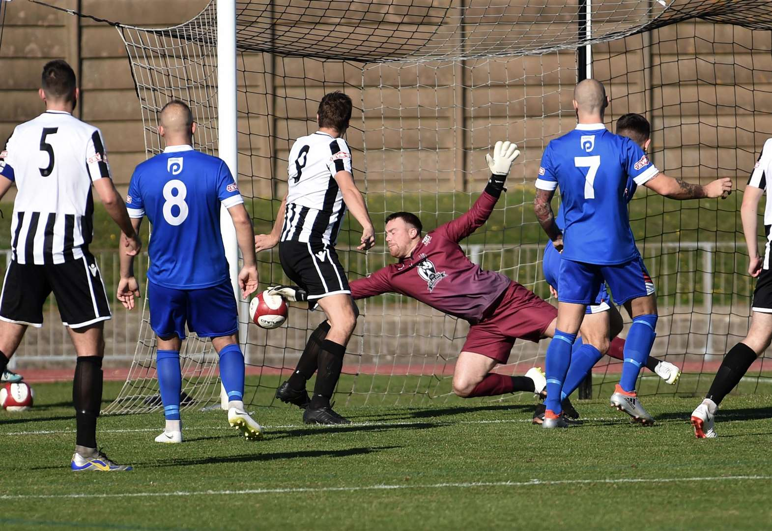 Grantham Town triumph in five-goal thriller