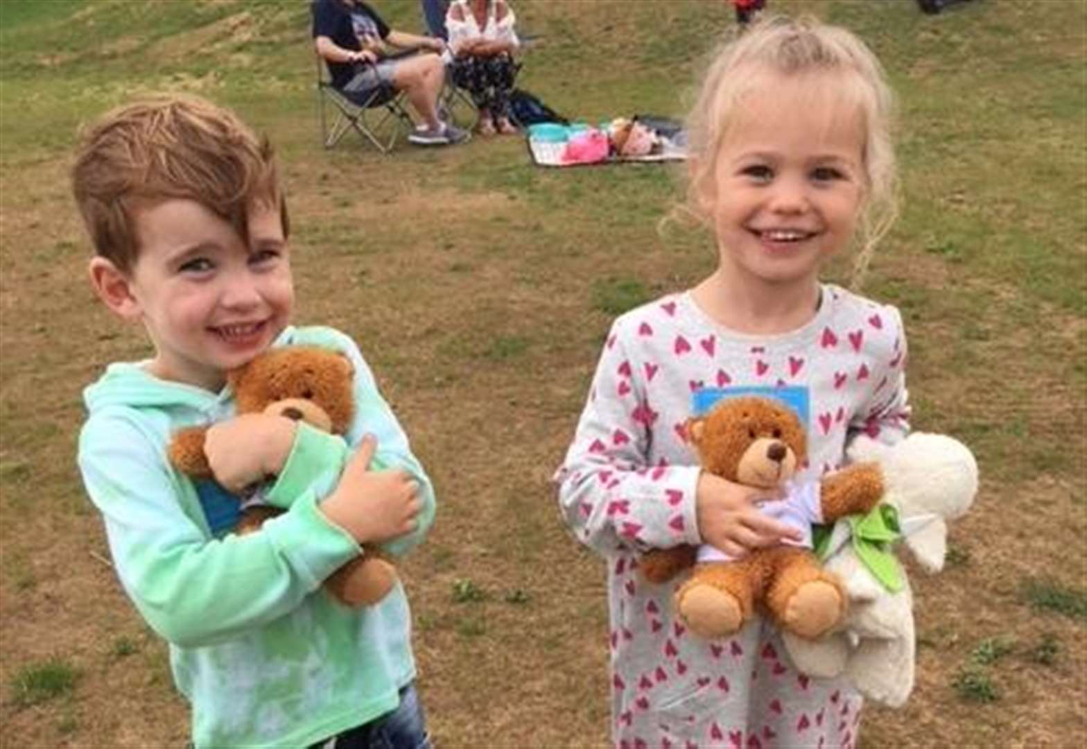 Pupils enjoy picnic at new Grantham primary school