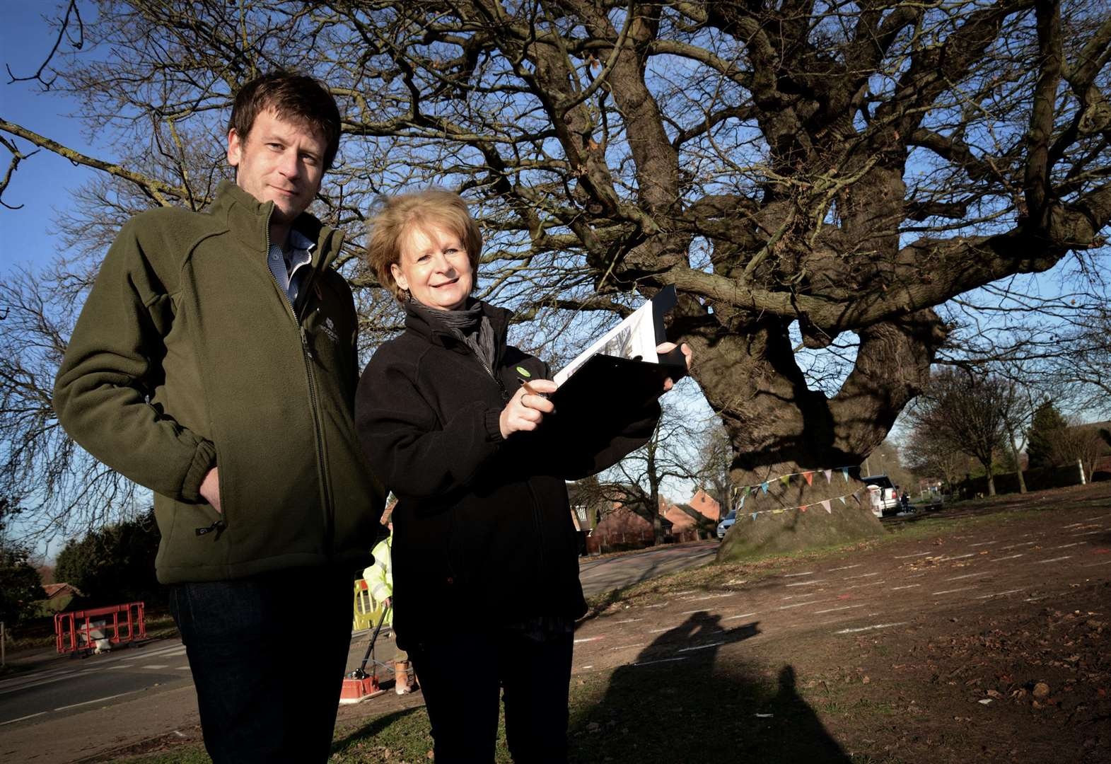 Iconic oak tree to be saved for generations