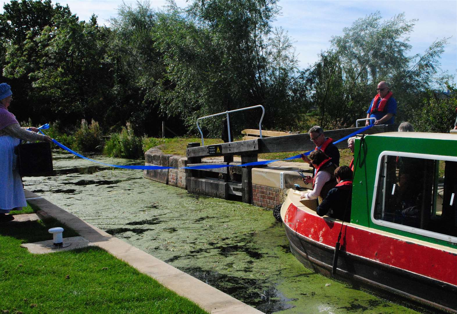 'Derelict' Grantham Canal lock welcomes first boat in 90 years