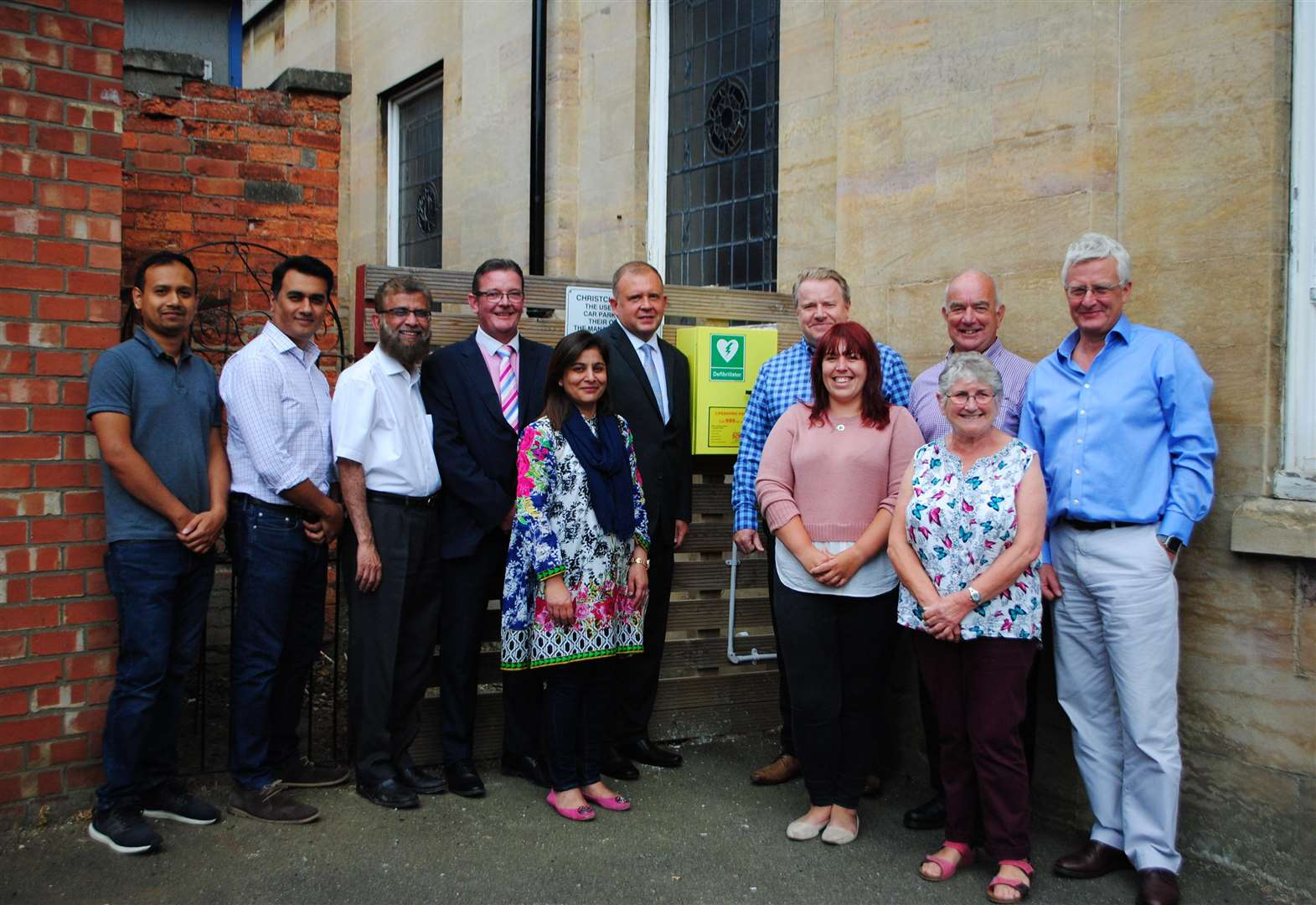 Grantham church and businesses unveil life-saving defibrillator