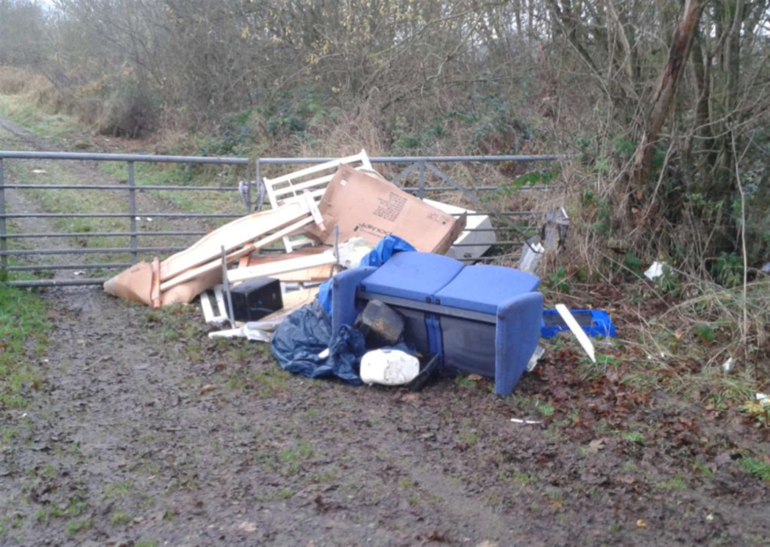 Large pile of furniture dumped in lane near Grantham