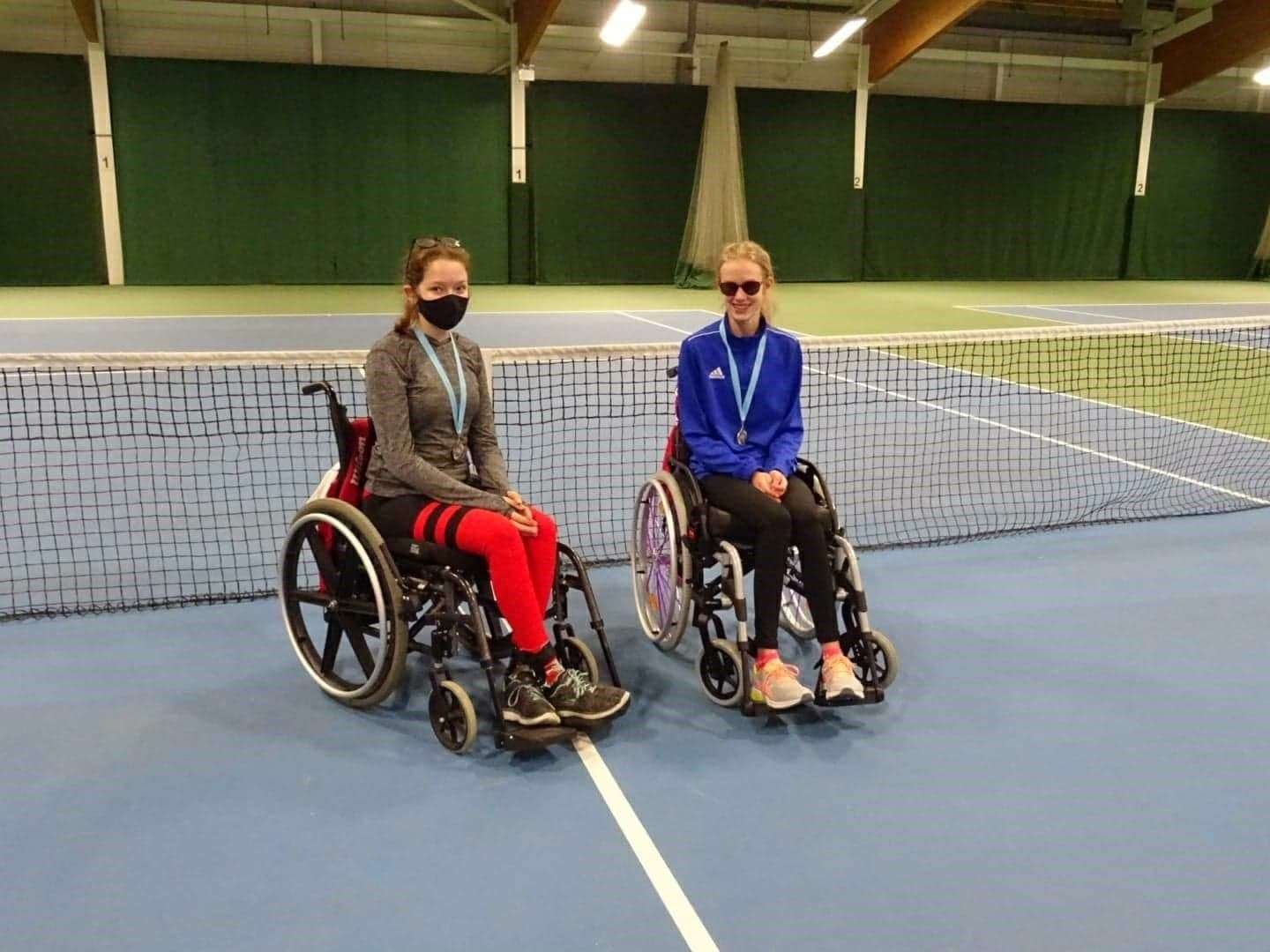 Wheelchair tennis players Alice Dyer and Isobel Collier. (43103146)