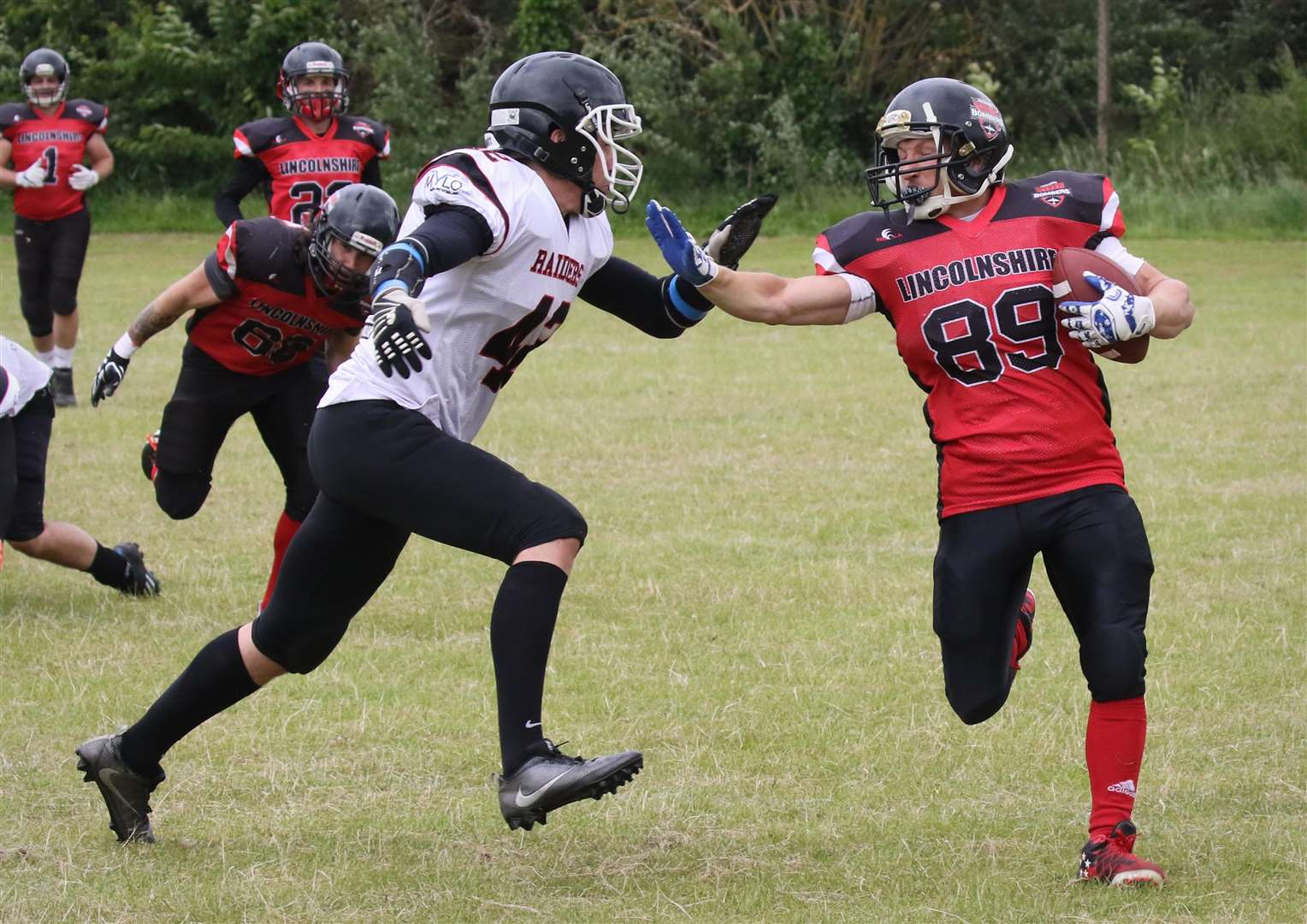 Nathan Haymer-Bates (right) in action for the Bombers. Photo: Mike Lincoln (linxpix.com) (3473232)