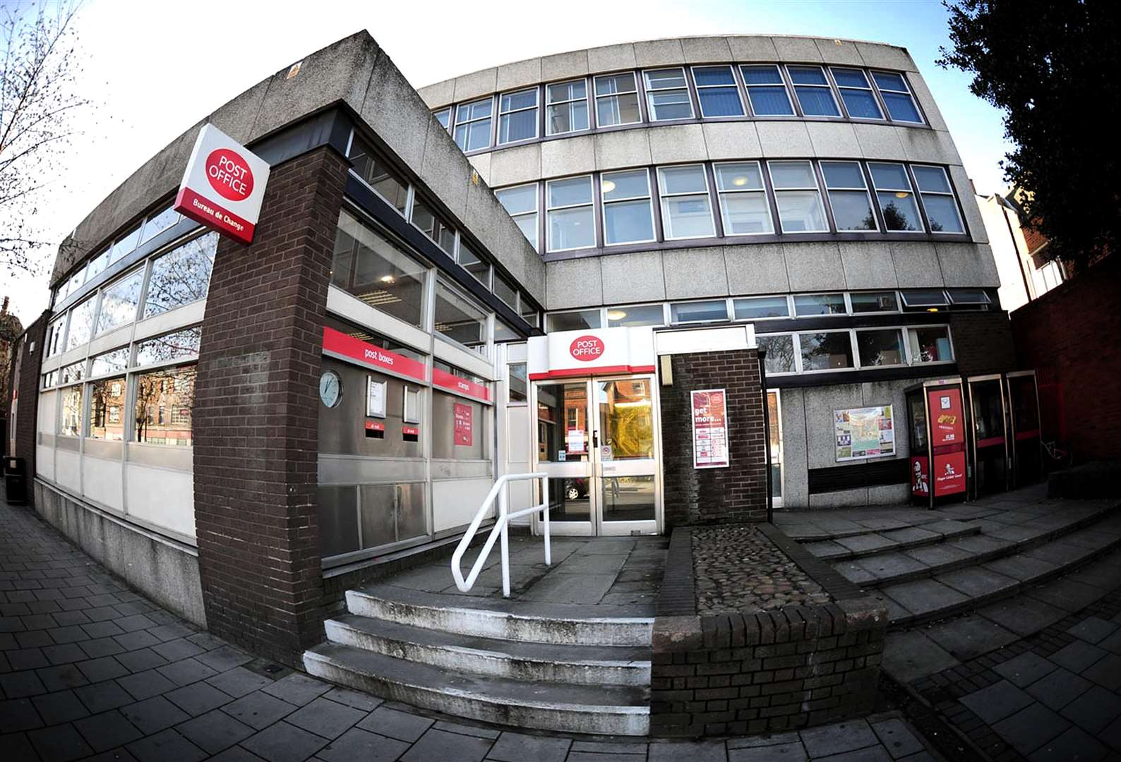 Grantham Post Office on St Peter's Hill is due to close next year. (5731046)