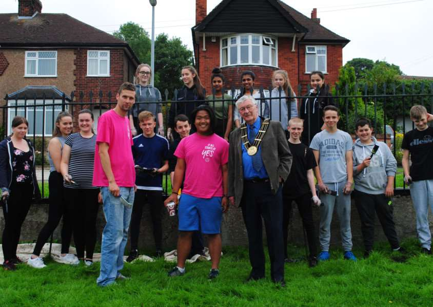 The Mayor of Grantham, coun Mike Cook visited the NCS group as they painted the railings in Wyndham Park.