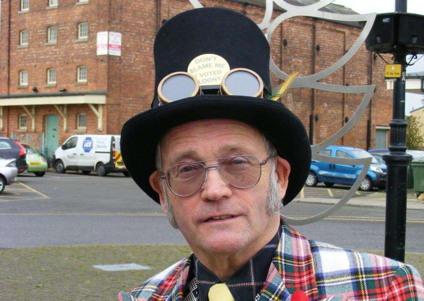 Peter E. Hilll, AKA The Iconic Arty Pole of the Monster Raving Loony Party. EMN-161011-164403001