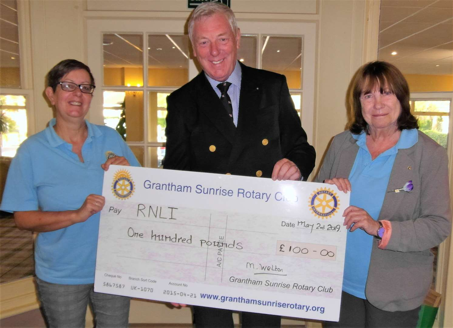 President Elect Debbie Wylie, RNLI representative Robert Holland and President Maggie Welton. (9945206)