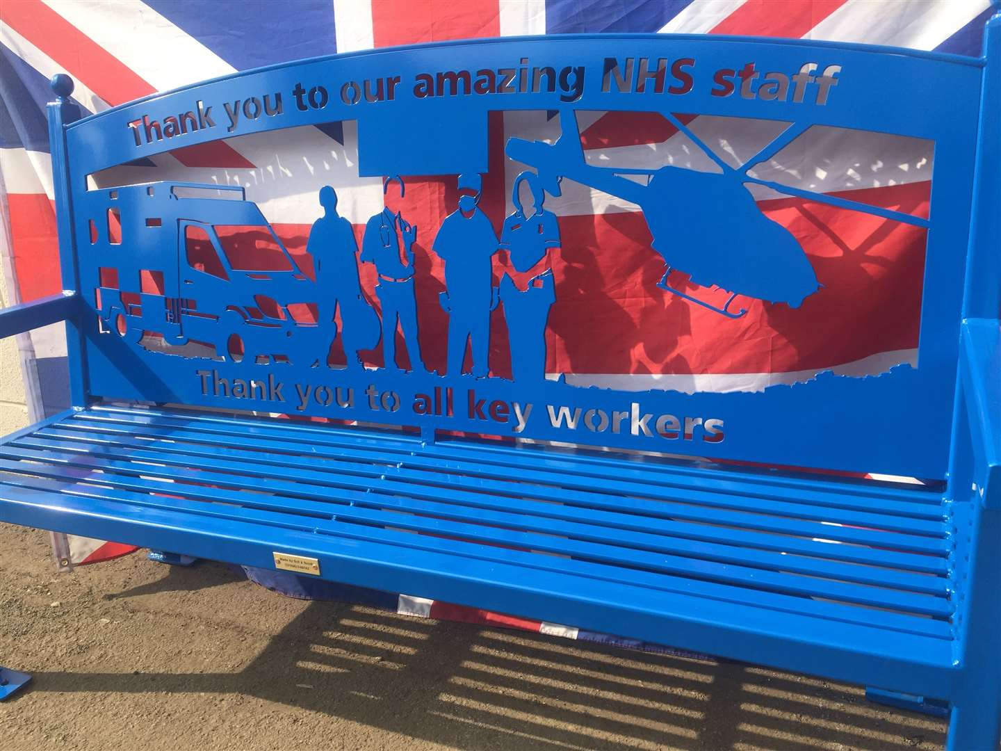 Chris created this wonderful blue bench to honour the NHS staff (33565108)