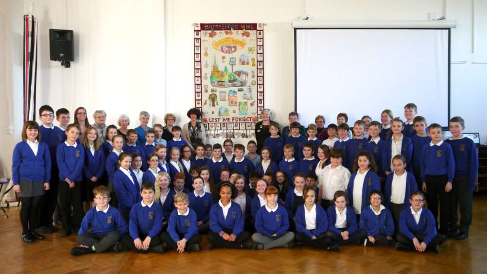 Bottesford Primary School pupils and volunteers involved in the WWI Bottesford Parish WWI Centenary Project.