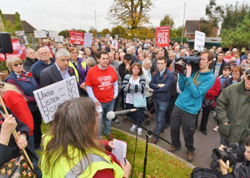 Protest march through Grantham to highlight the closure of the A and E Department at Grantham Hospital EMN-161029-180749009