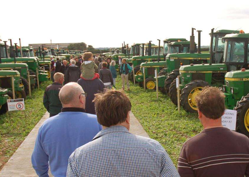A stroll through the ages in farm machinery EMN-160925-114219001