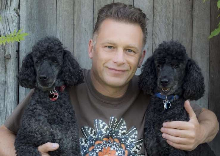 Chris Packham and his dogs Itchy and Scratchy support the Big Tick Project.