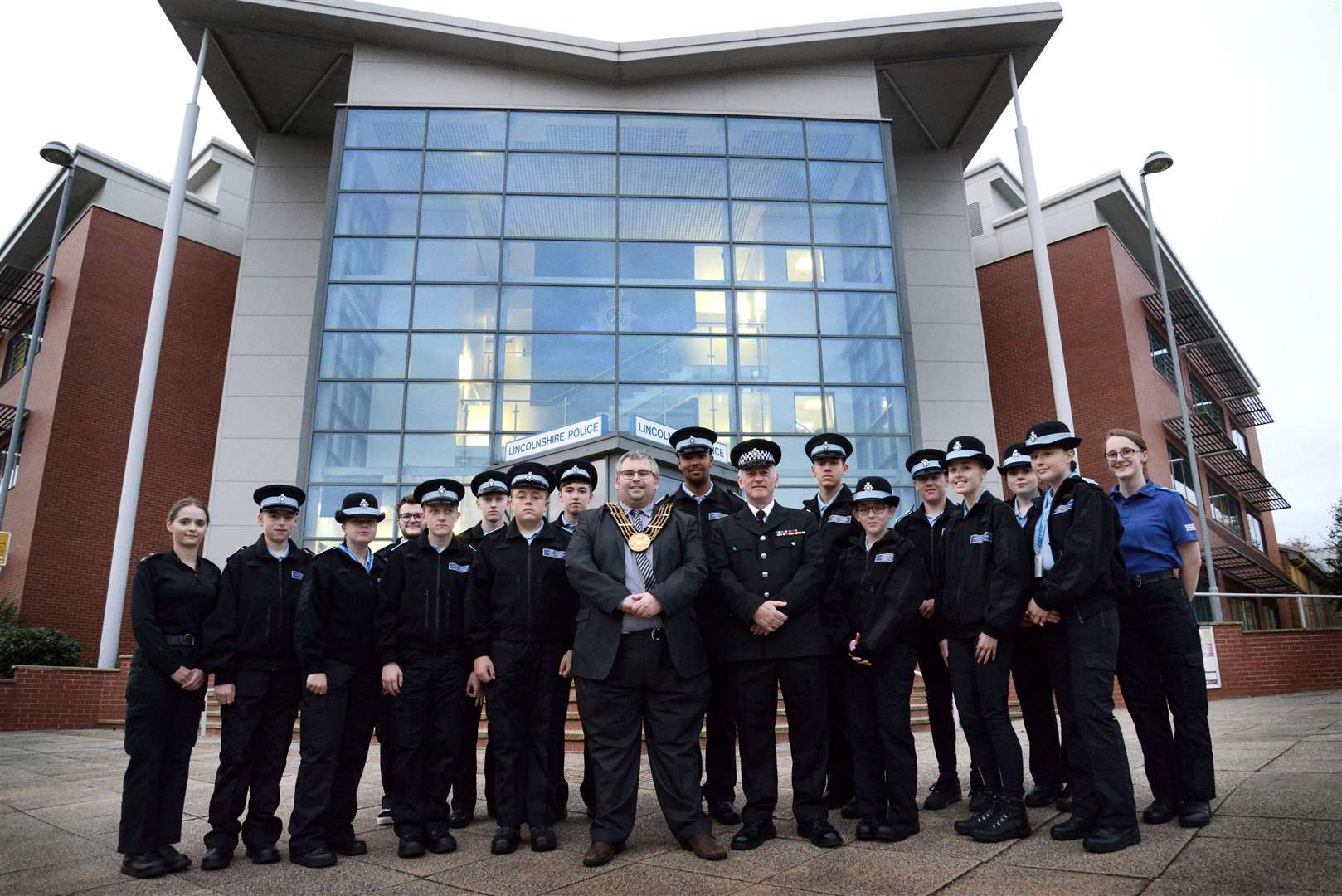 Mayor of Grantham Councillor Adam Stokes presented the new police recruits with a certificate at a ceremony last week. (17398319)