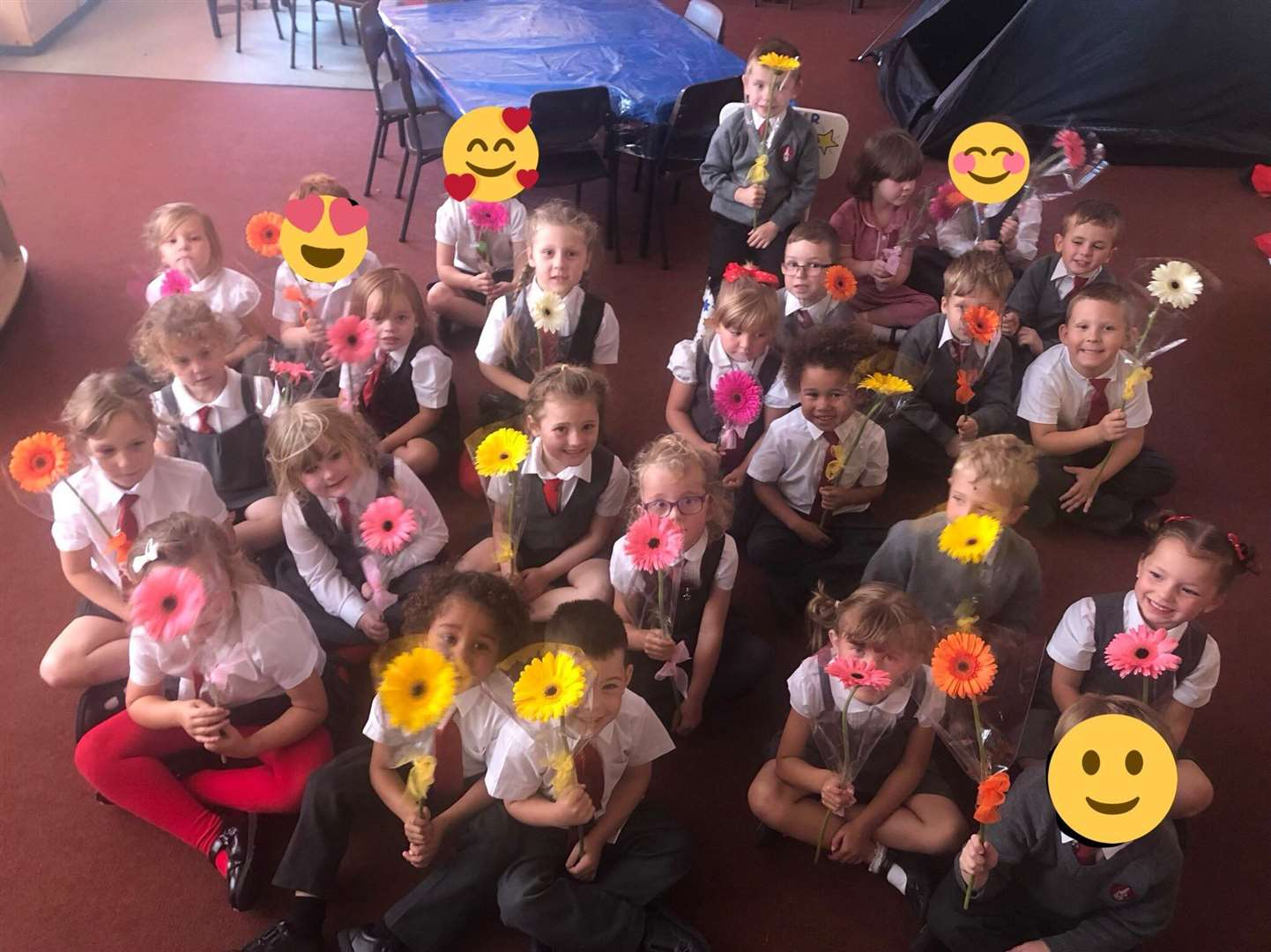 During Attendance Awareness Week, Glen Esk Flowers in Grantham donated 160 single stem flowers for each child at Little Gonerby Infant School to give to their parent/carer as a thank you for bringing them to school. (17299277)