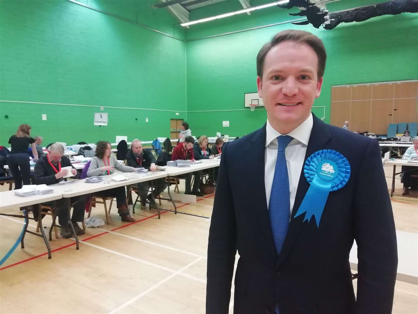 Gareth Davies celebrates winning the Grantham and Stamford constituency
