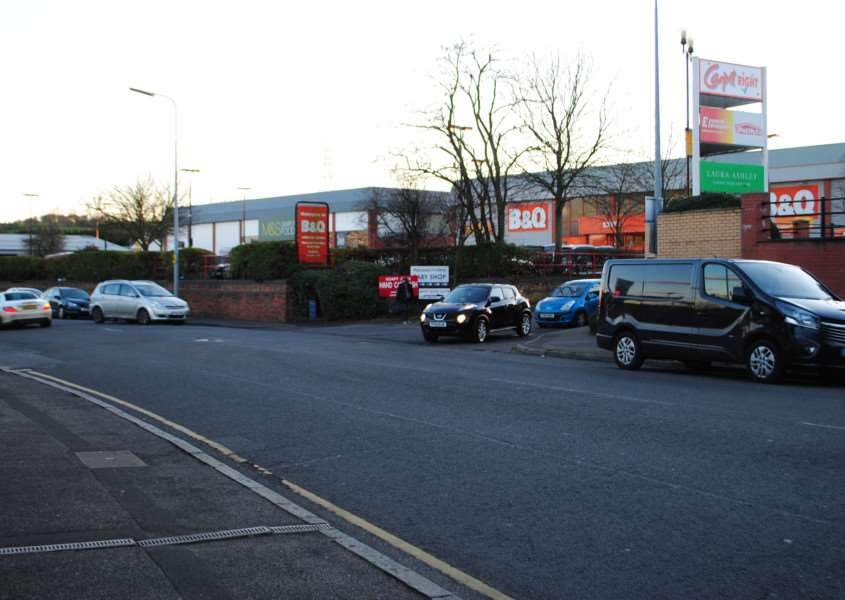 Vehicles parked along London Road are said to be causing a safety issue as cars try to pull out of the retail park.
