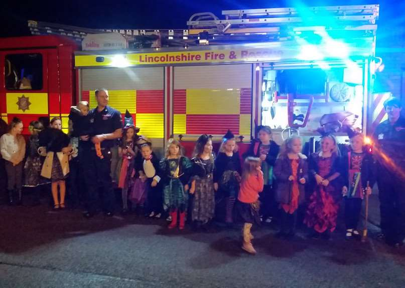 Grantham Blue Watch held a Halloween party for a Rainbows group, and tweeted this picture.