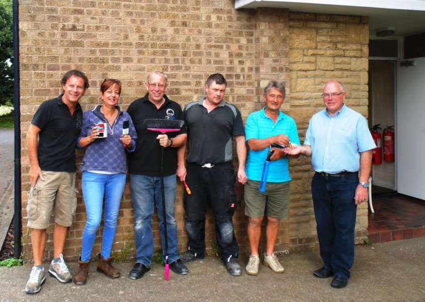 Sunrise members President Elect Lez, Debbie, President Ian, Tony, Project co-ordinator Irvin handing keys over to Kev Carter