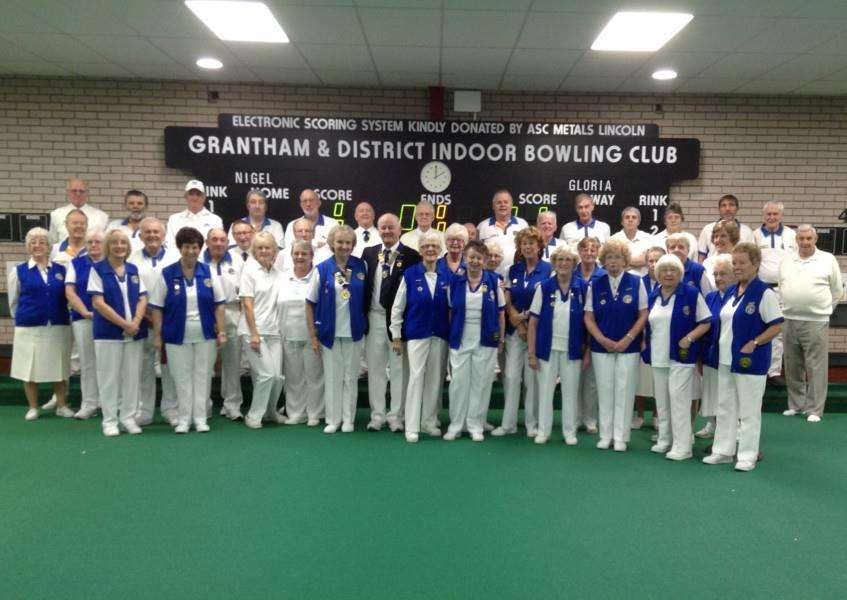 Grantham and District Indoor Bowling Club presidents and their teams.