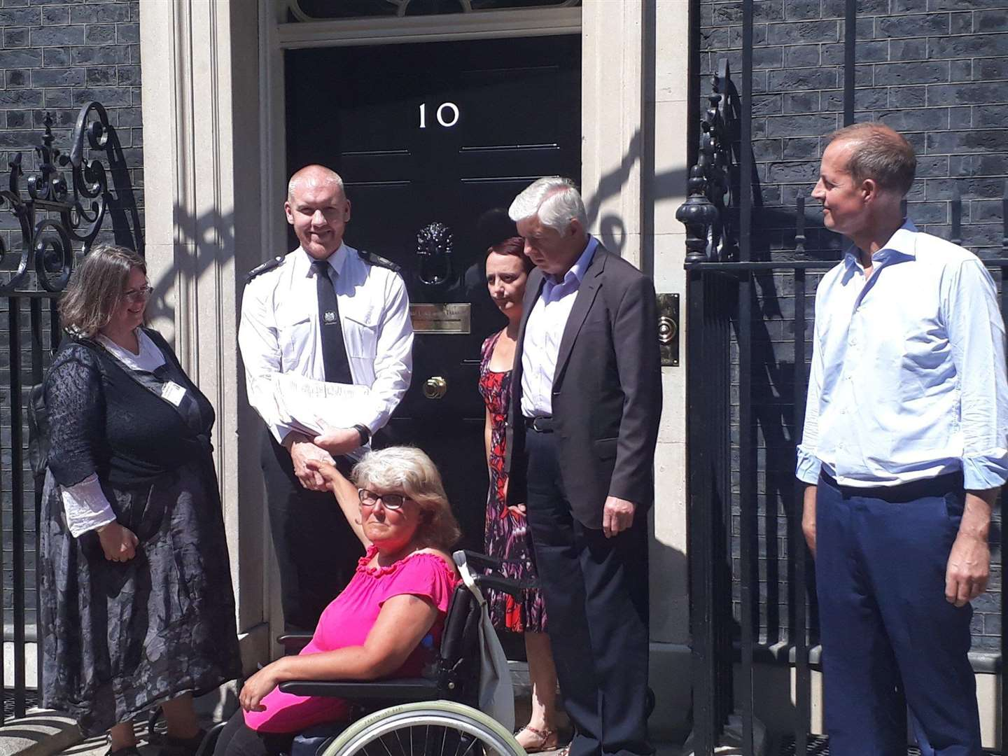 Charmaine Morgan, chair of SOS Grantham Hospital, Coun Ray Wootten, Sarah Stock of Fighting 4 Life Lincolnshire, Grantham MP Nick Boles and Jayne Dawson outside 10 Downing Street this afternoon. (2920505)