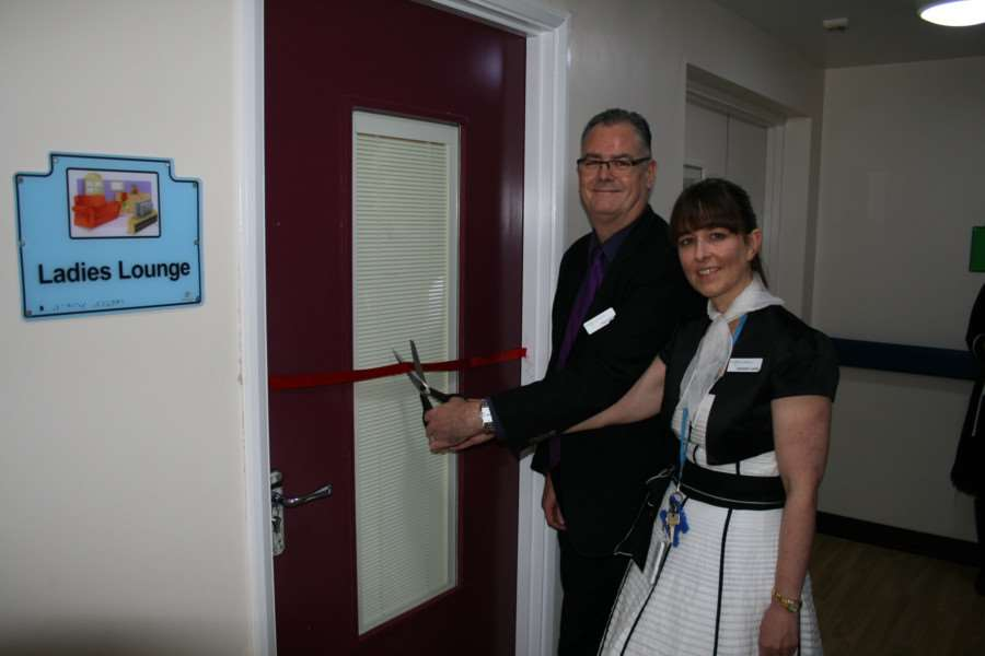 The 1950s memory room at the Manthorpe Centre in Grantham was officially opened by Trust Chair, Paul Devlin alongside Liz Lester, Occupational Therapist, who originally came up with the idea.